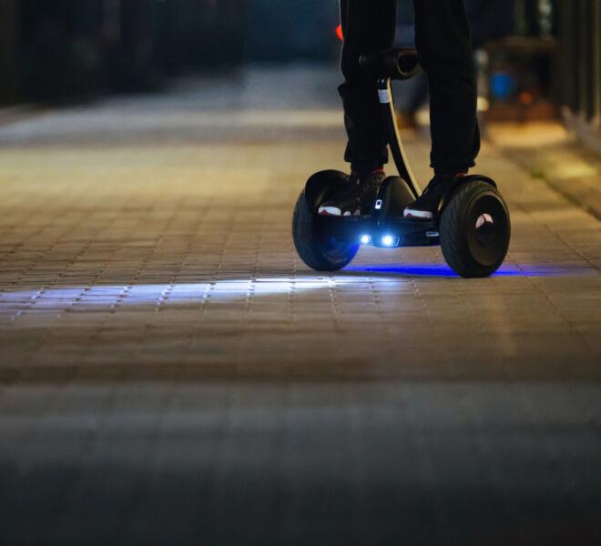 NinebotS_lifestyle_night_city